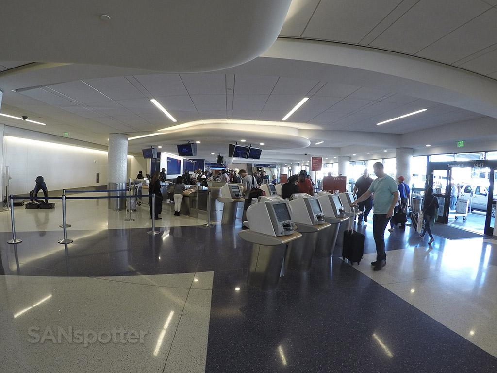 delta airlines terminal 5 checkin LAX