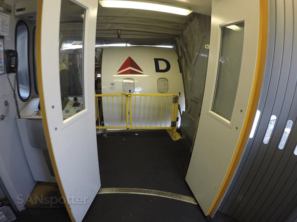 boarding delta CRJ-900 LAX