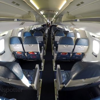 Delta Connection CRJ-900 economy class cabin