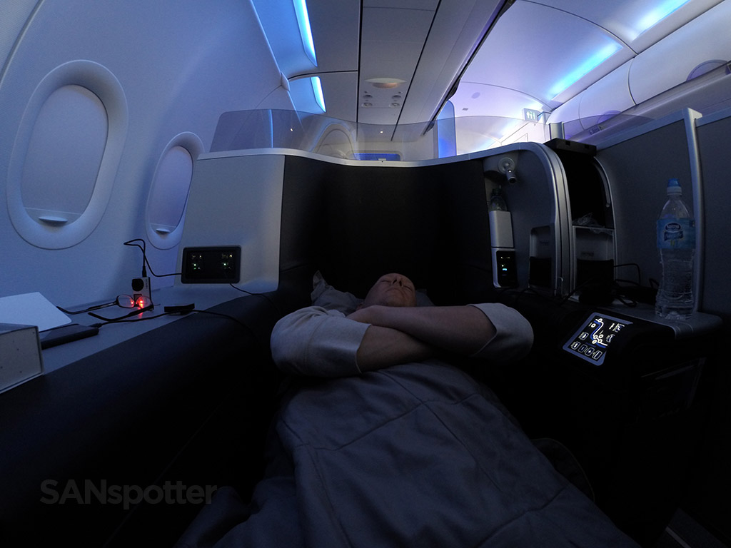 JetBlue Mint flat bed