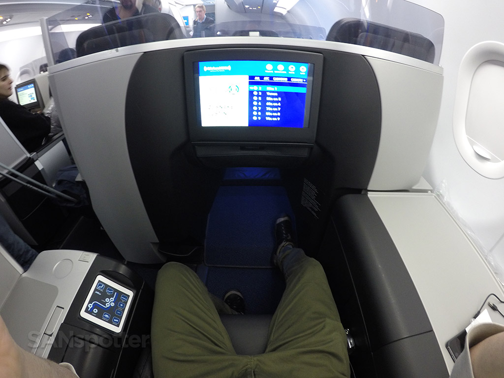 JetBlue Mint singe seat