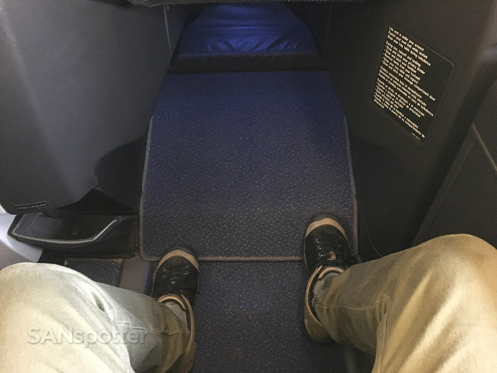 JetBlue Mint leg room