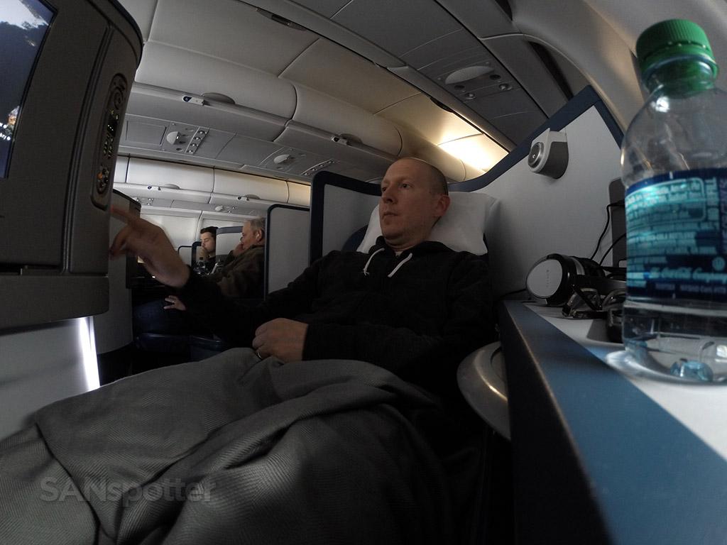 Delta One lie flat seat