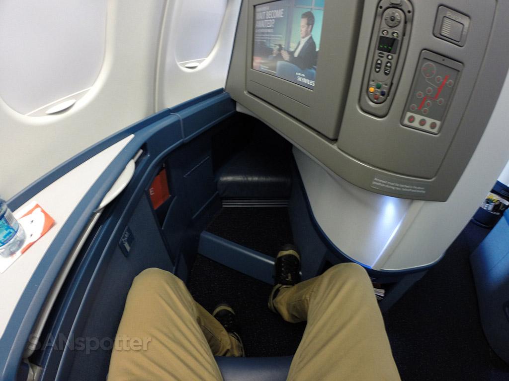 Delta One A330-300 leg room