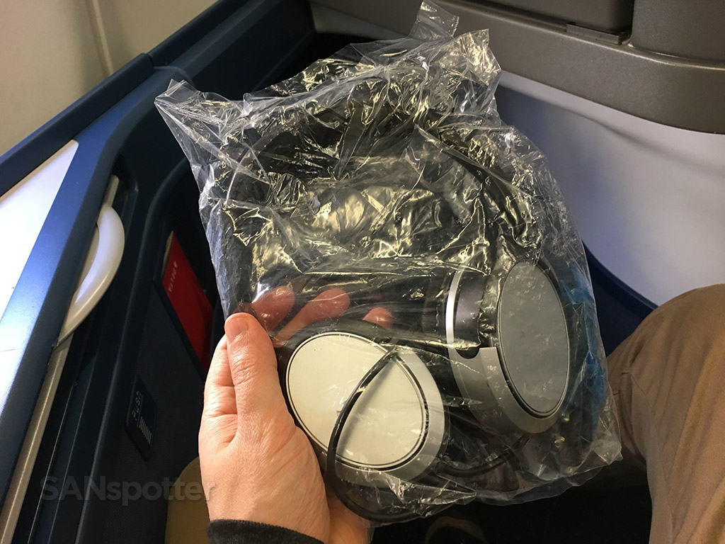 Delta One noise-cancelleling headphones
