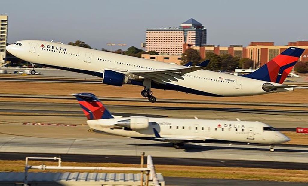 delta A330 ATL @bizarrebananablast
