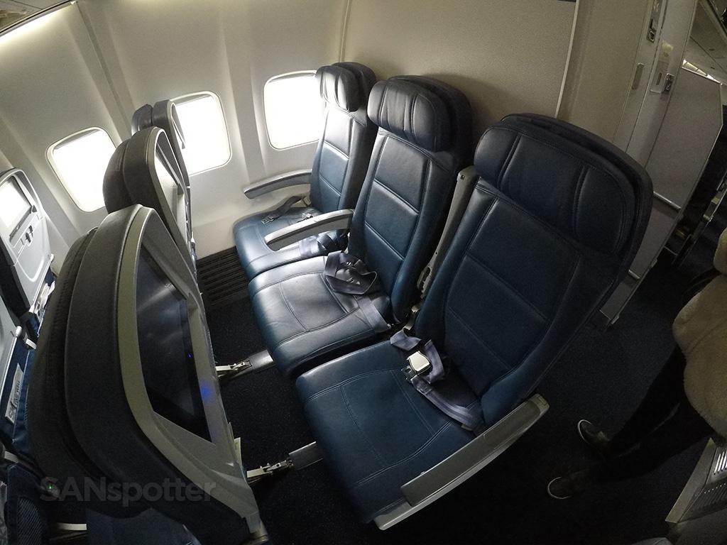 Delta Air Lines 757-300 economy class seats