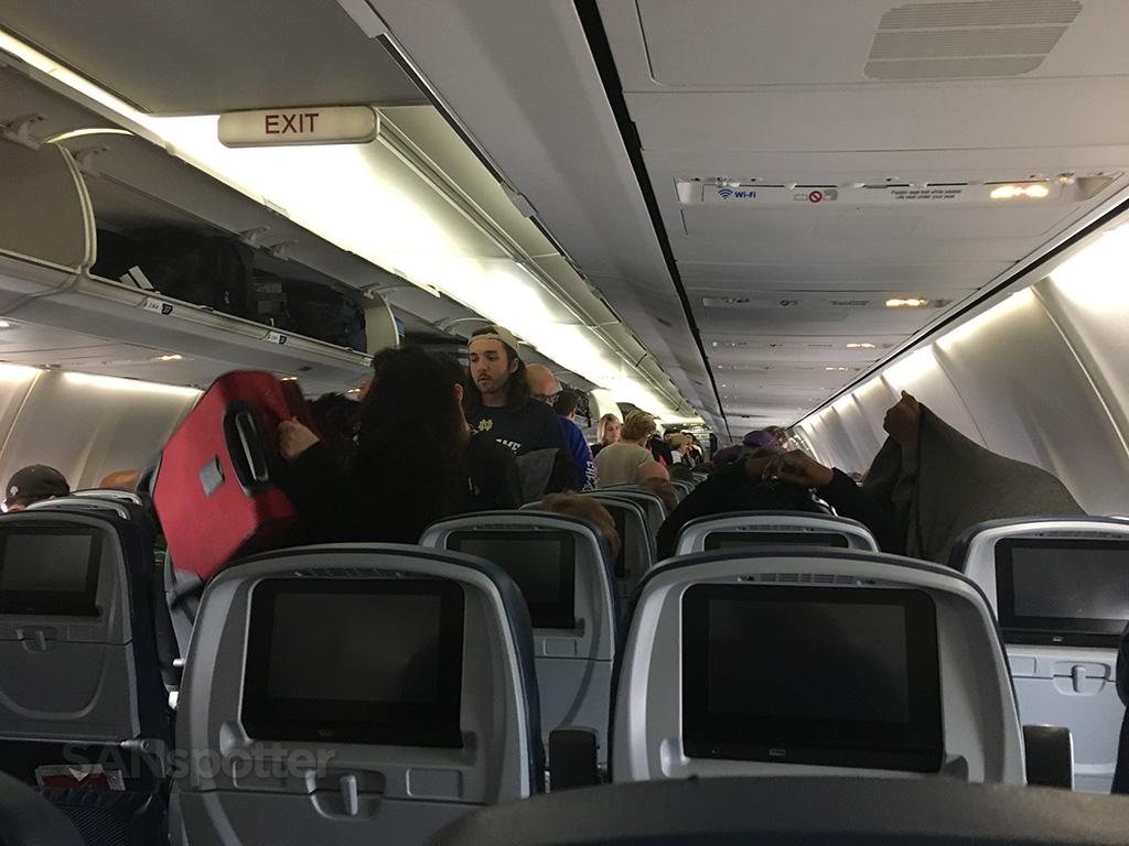 delta 757-300 economy cabin