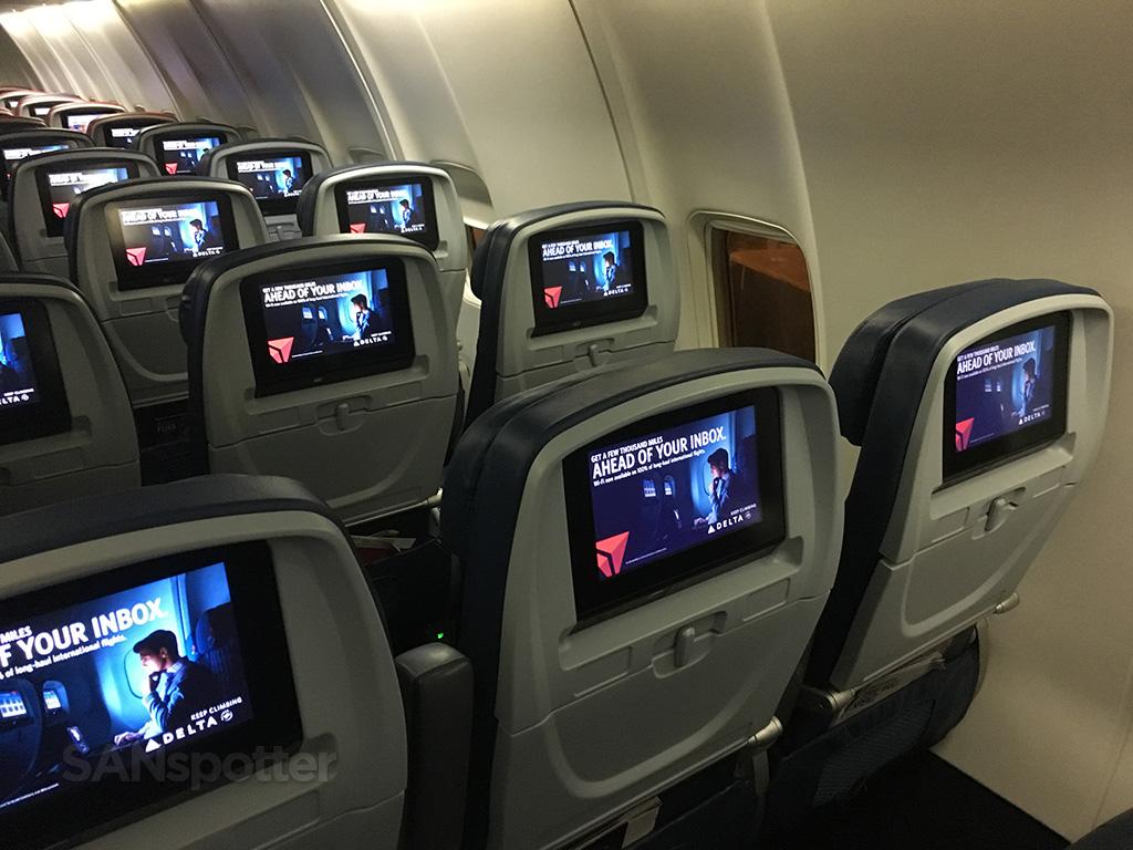 delta air lines 757-300 interior