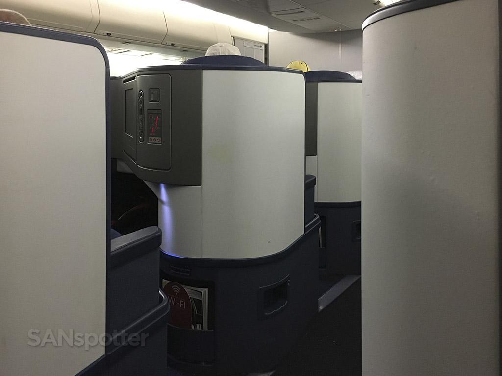 delta one 747-400 privacy