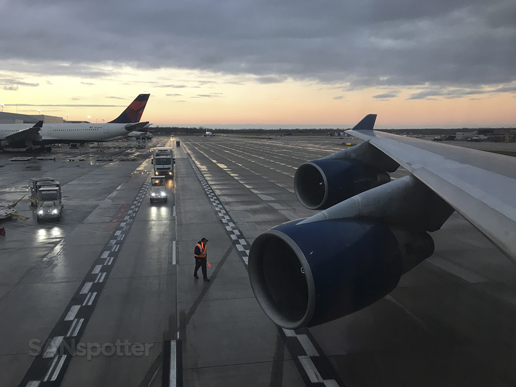 747 departure Detroit airport