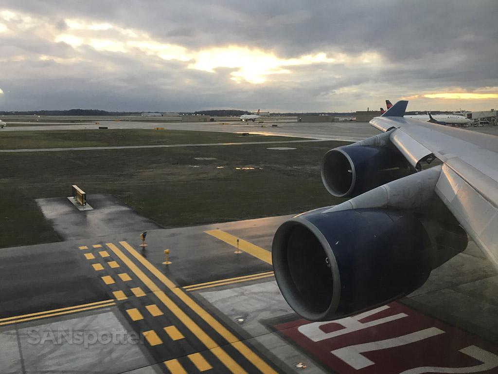 747 departure Detroit airport