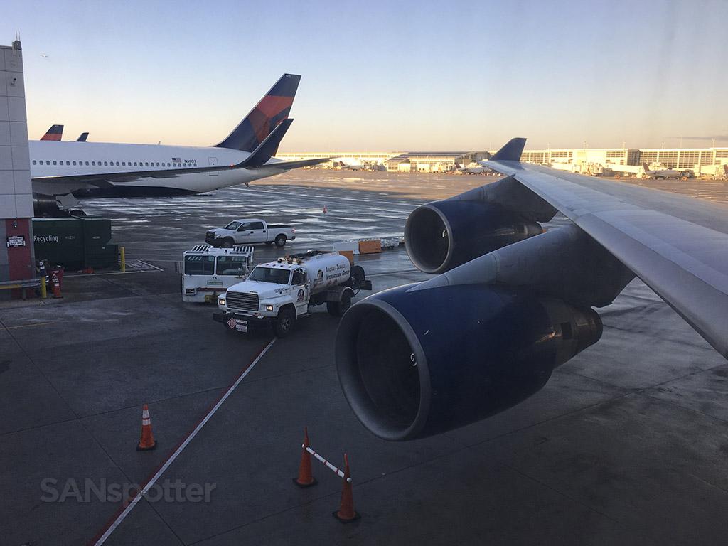 delta 747-400 DTW