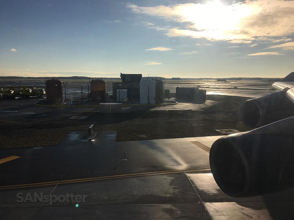 delta 747-400 delay DTW