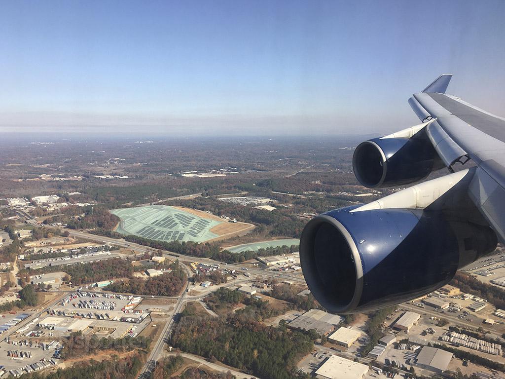 approaching runway 26 ATL delta 747