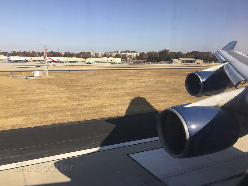 landing ATL delta 747-400