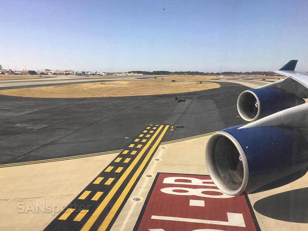 landing at ATL Delta 747-400