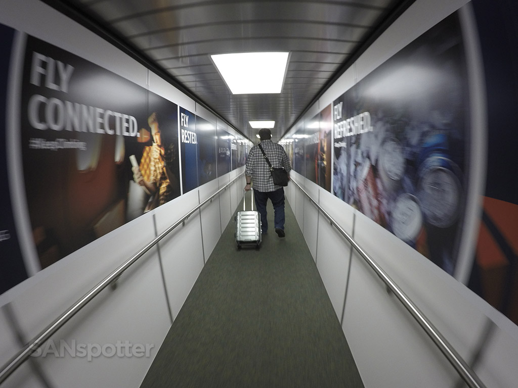 SEA airport jet bridge delta