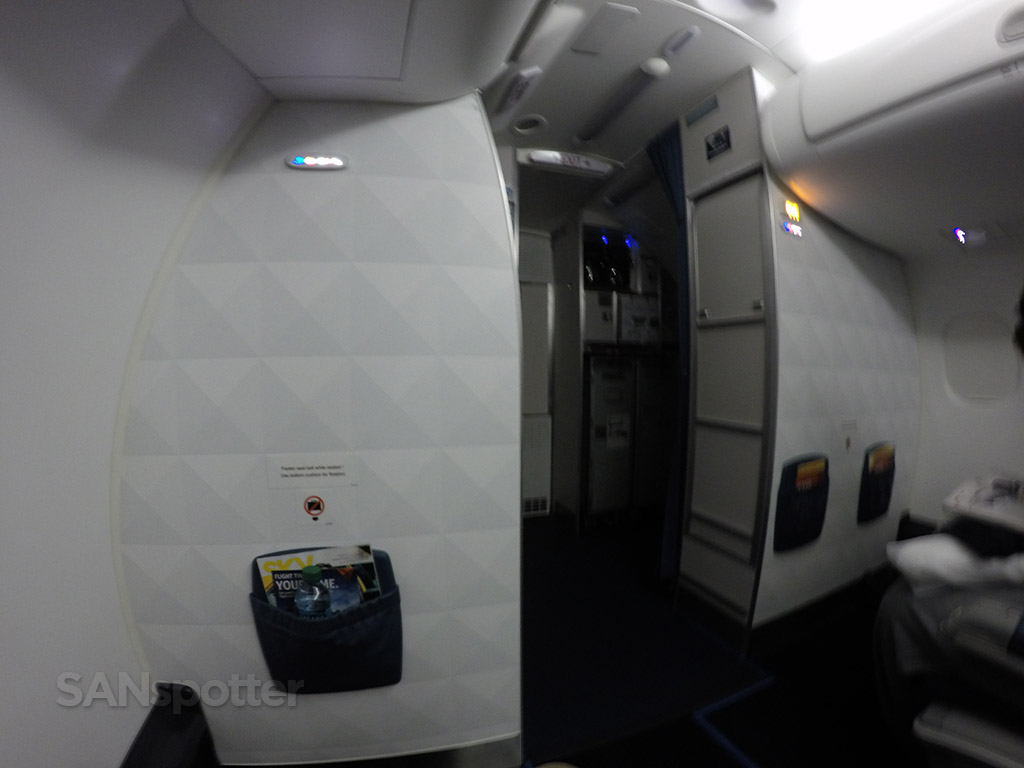 Delta Connection E175 first class bulkhead