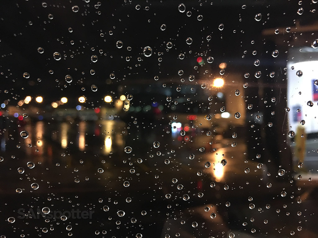 rainy night seattle tacoma airport