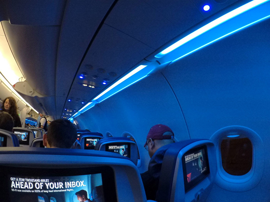 delta air lines a321 mood lighting