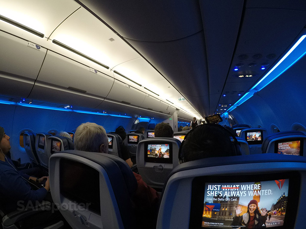 delta air lines a321 economy cabin