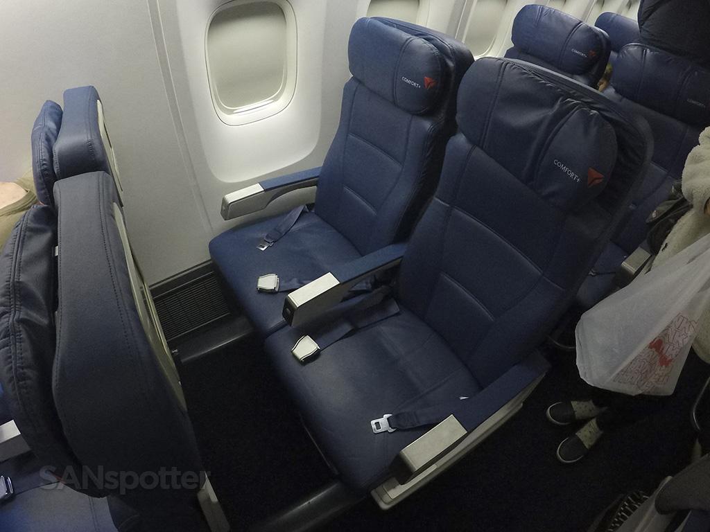 Delta Air Lines 767-400 premium economy seats