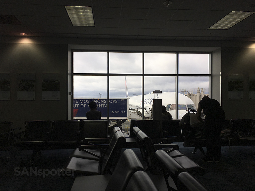 delta 767-400 ATL airport