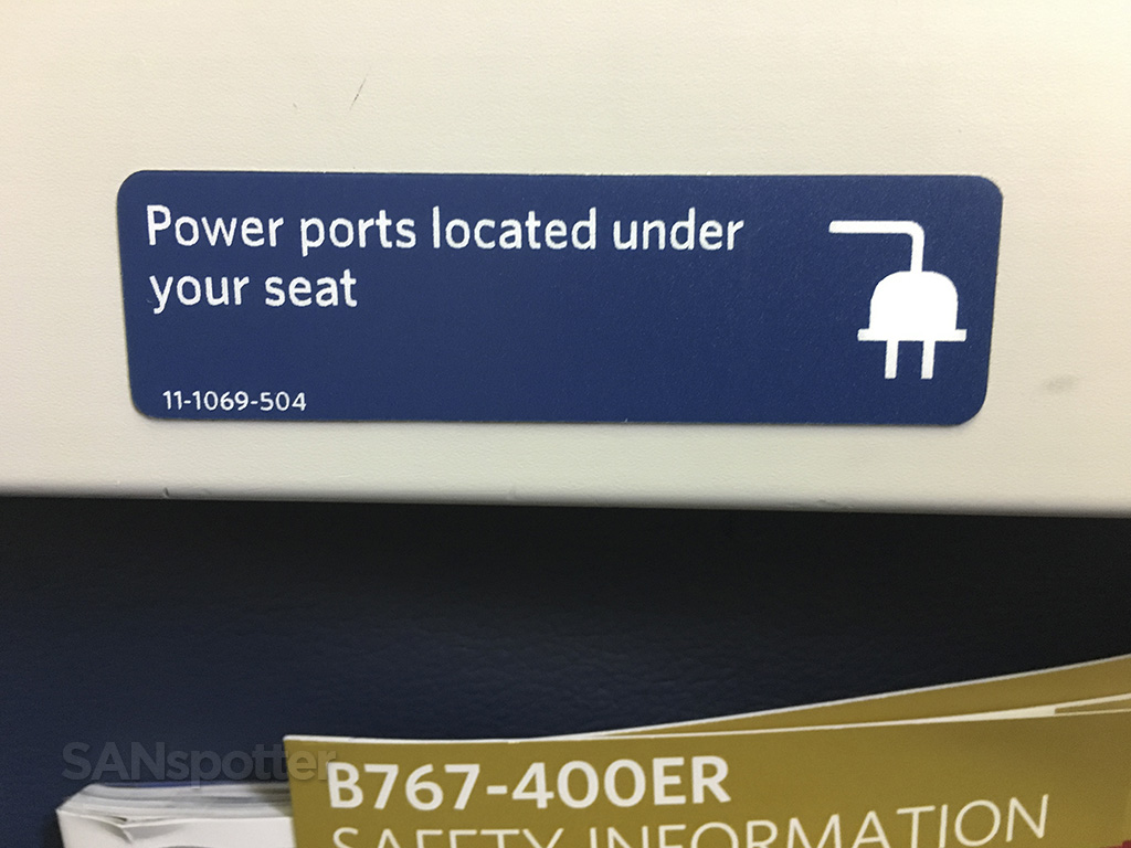 delta 767-400 in seat power ports
