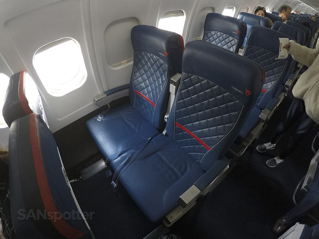 Delta Air Lines MD-88 premium economy seats