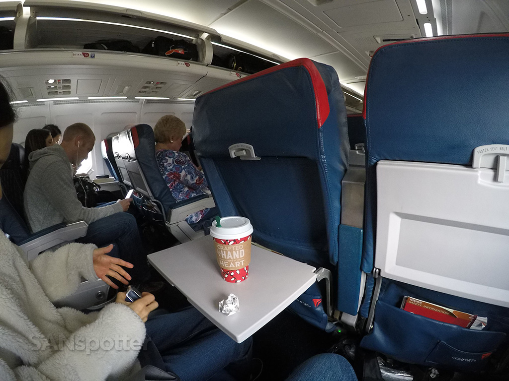 Delta Air Lines MD-88 Comfort + (premium economy) West Palm