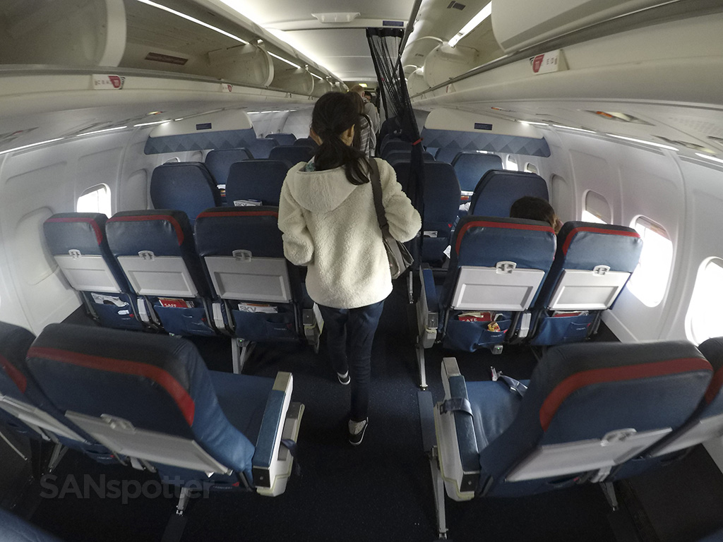 Delta Air Lines MD-88 Comfort + (premium economy) West Palm