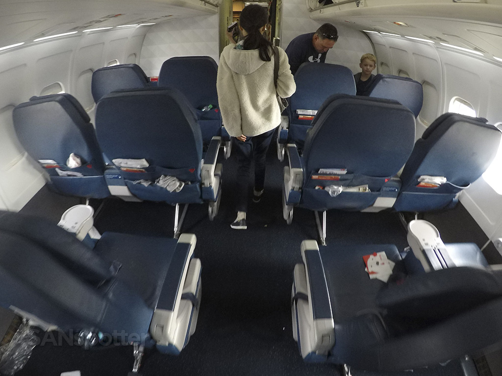 delta md88 first class cabin