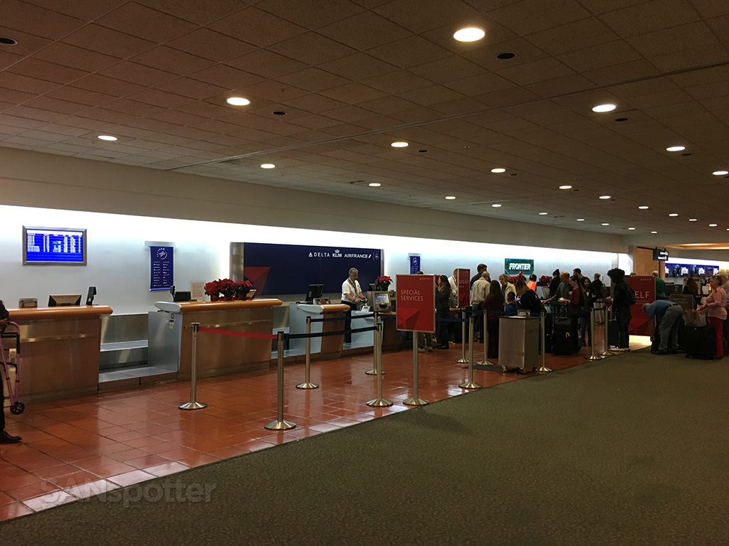 delta air lines check in PBI west palm beach