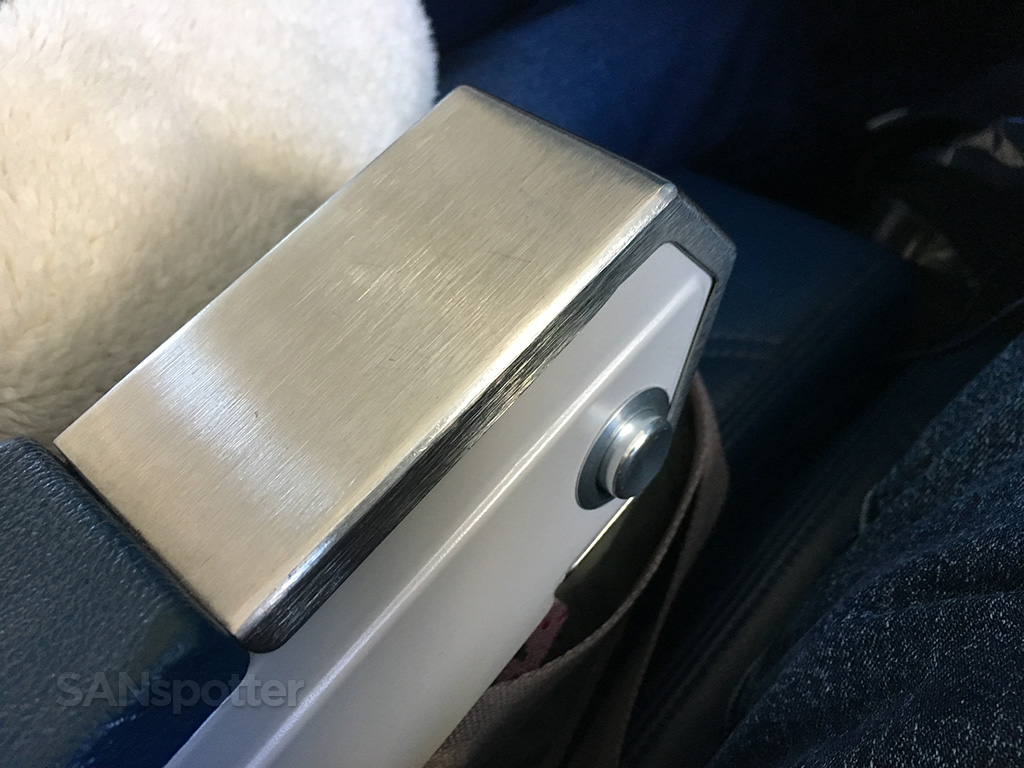 delta air lines md-88 arm rest
