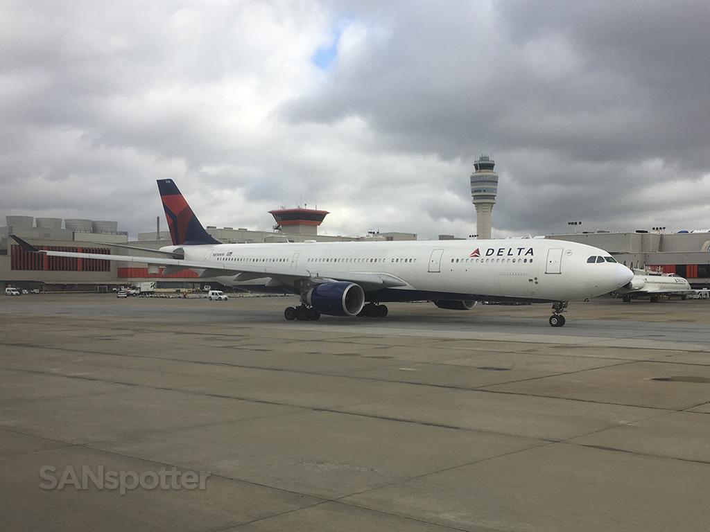 delta a330 ATL