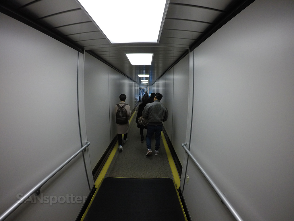 A380 jet bridge LAX