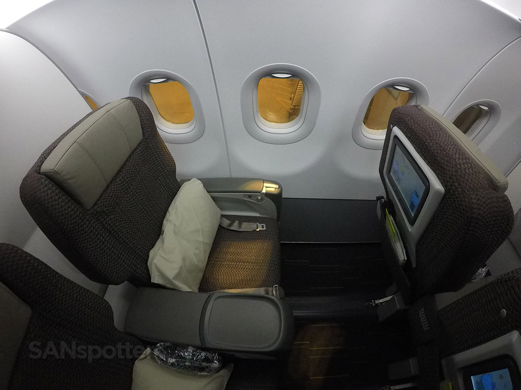 eva air regional business class