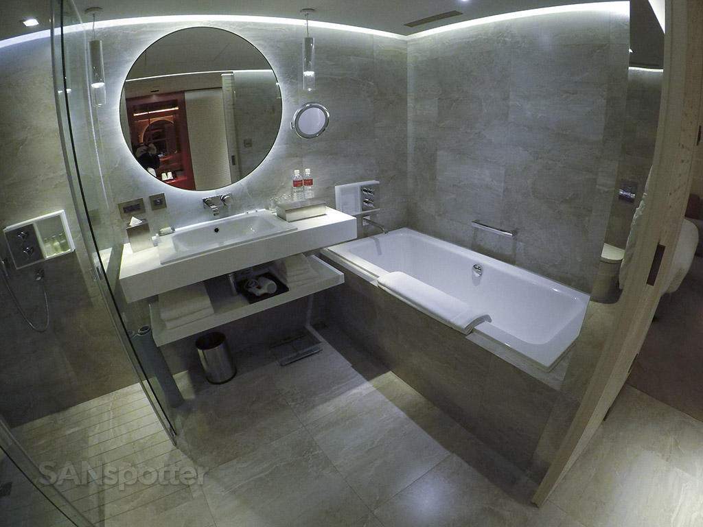 grand hyatt taipei bathroom