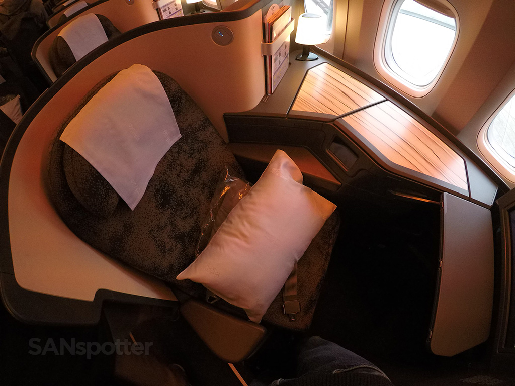 China Airlines 777-300 business class seat