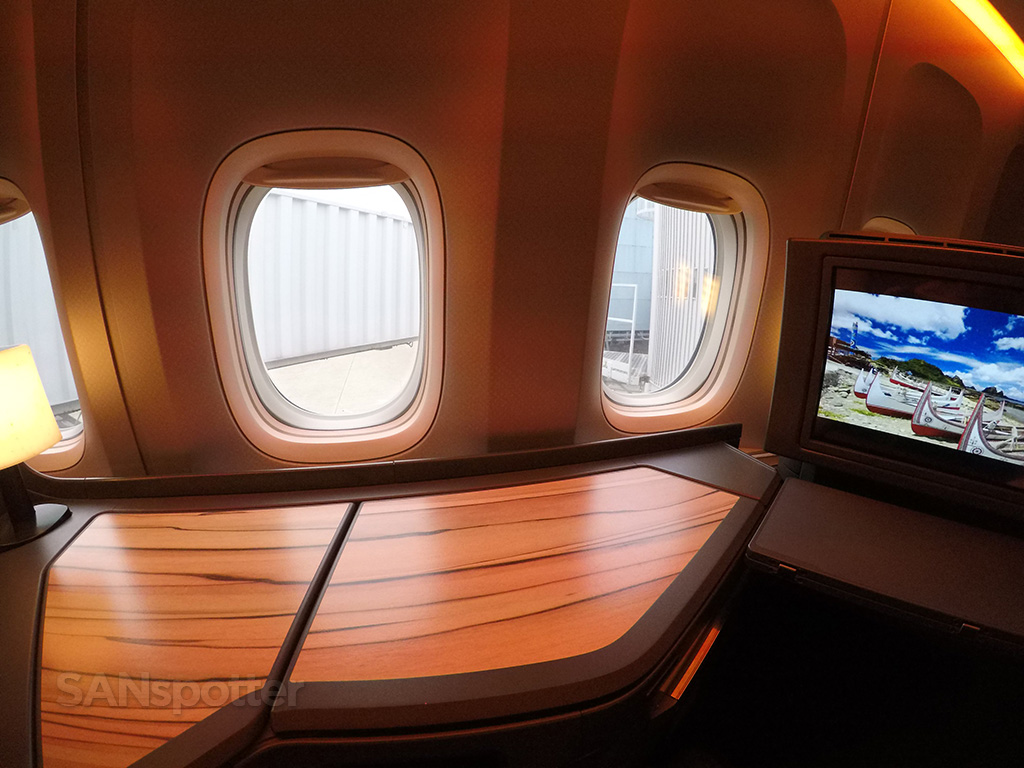 china airlines 777-300 business class woodgrain