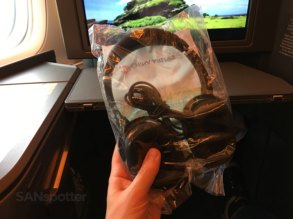 china airlines noise cancelling headphones