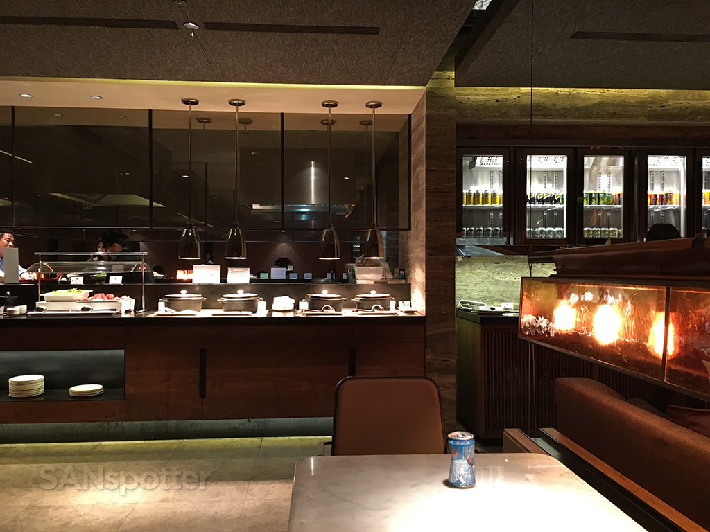 China Airlines Business Class lounge TPE food