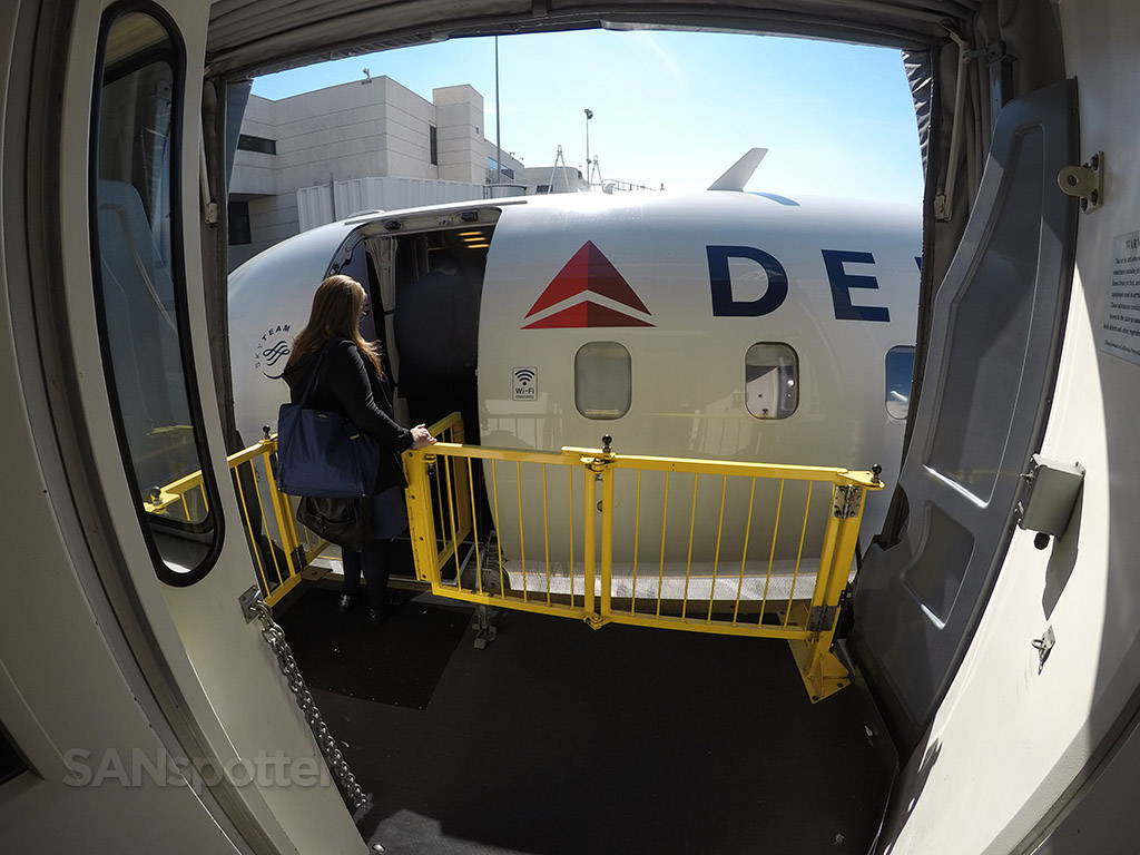boarding delta connection CRJ-700 LAX