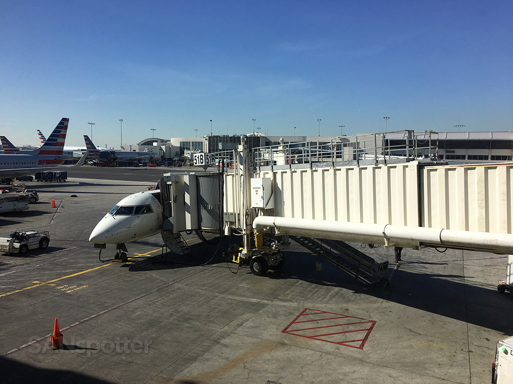 Delta CRJ-700 LAX N608SK