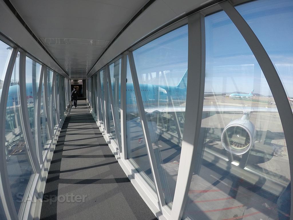 boarding korean air a380 Incheon airport