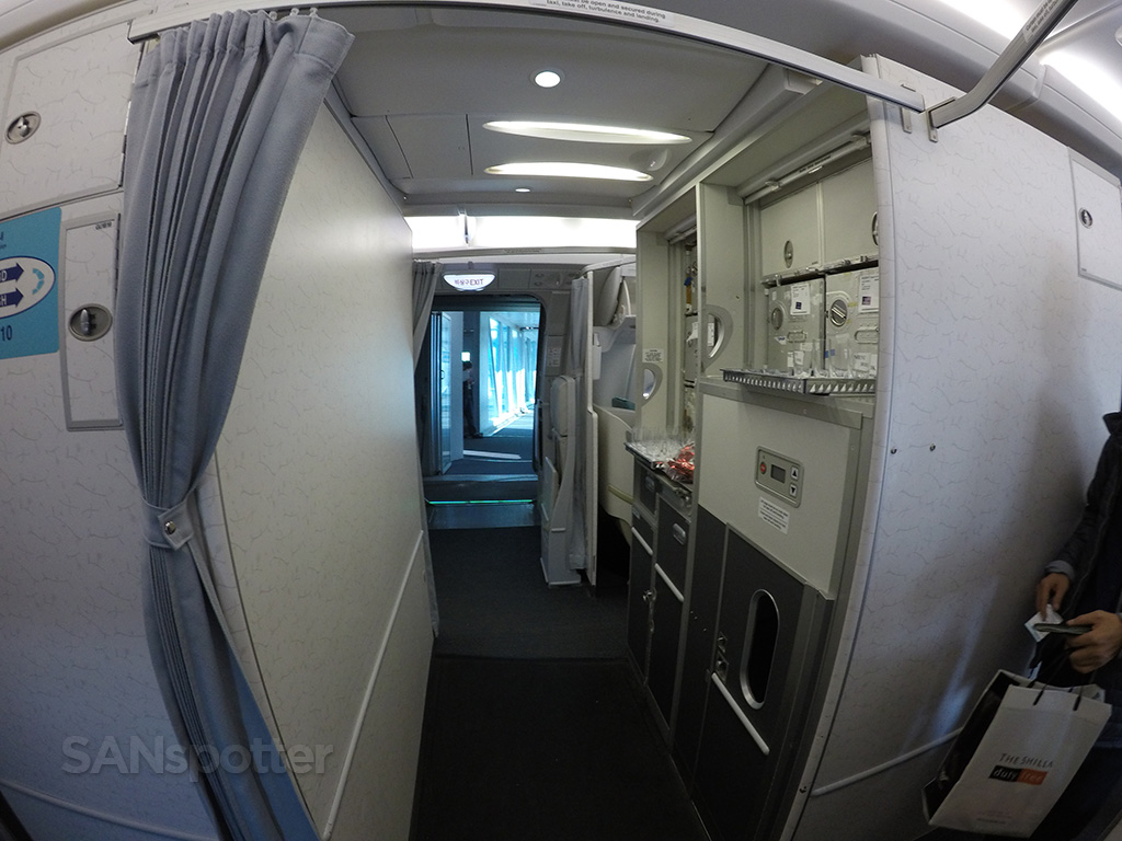 korean air a380 galley
