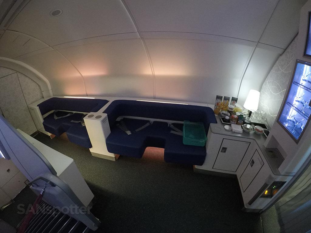 korean air a380 lounge
