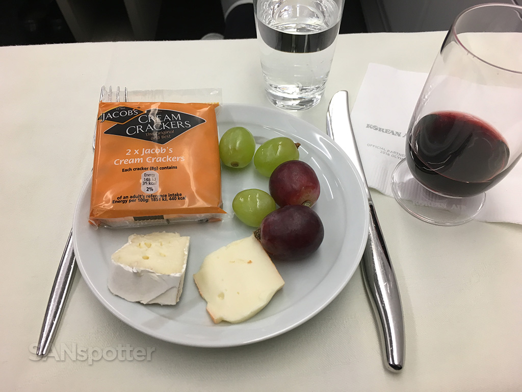 korean air cheese plate