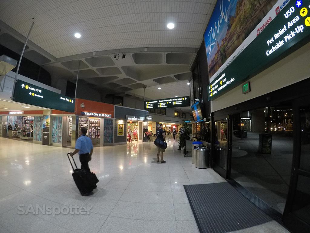 terminal 1 interior SAN